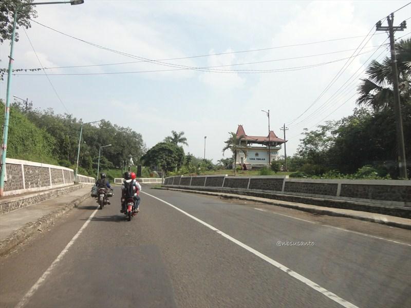 jogja - jakarta via jalur selatan - bandung (37)