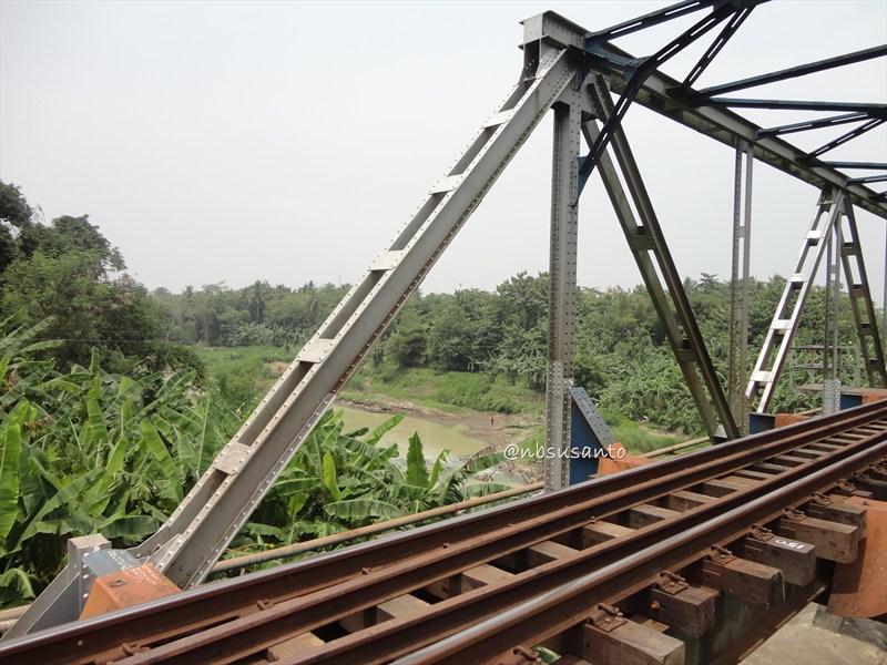 susur rel kereta api jalur selatan (82)