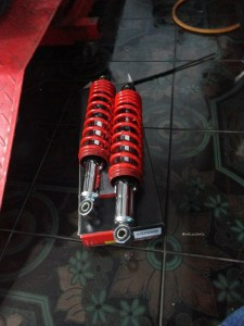 shock belakang yss supra x 125 (1)