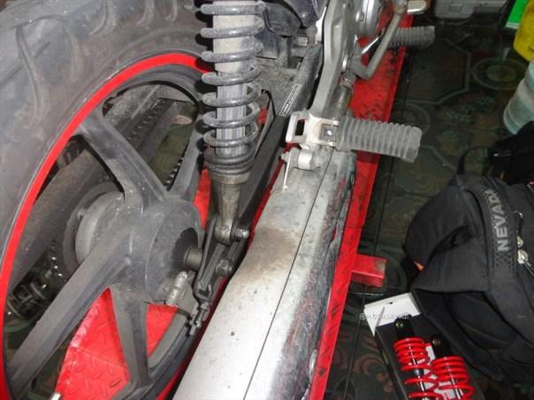 shock belakang yss supra x 125 (2)