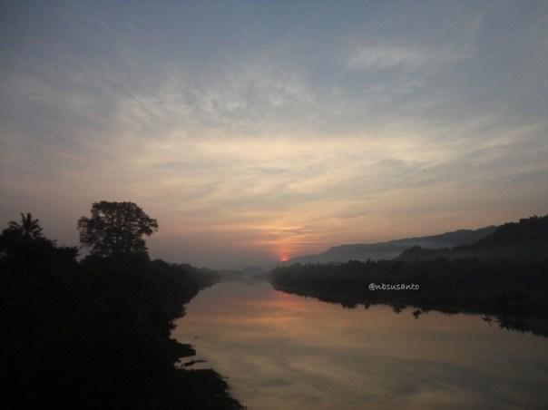 sunrise jembatan parangtritis dan pantai depok (19)