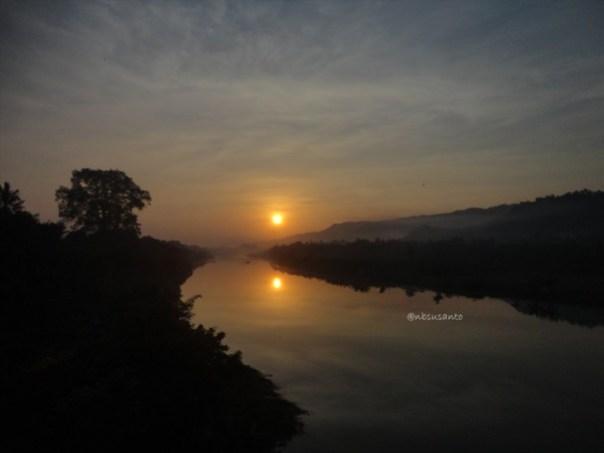 sunrise jembatan parangtritis dan pantai depok (54)