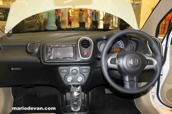 dashboard-honda-mobilio-type-e 1