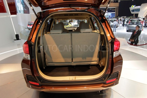 Honda-Mobilio-boot-space
