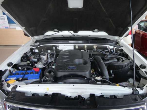 ford everest 4x2 at (25)