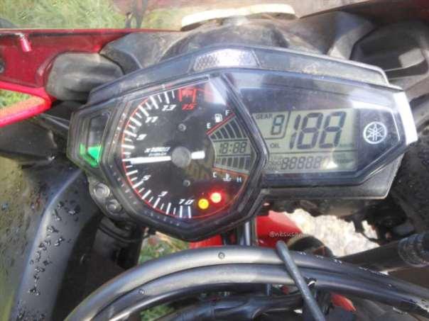 speedometer yamaha R25 (10)