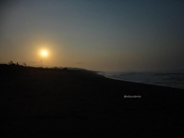 gowes pagi ke pantai pandansari dan mercusuar pantai patehan (10)