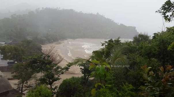 menggila lupa usia di pantai siung (33)