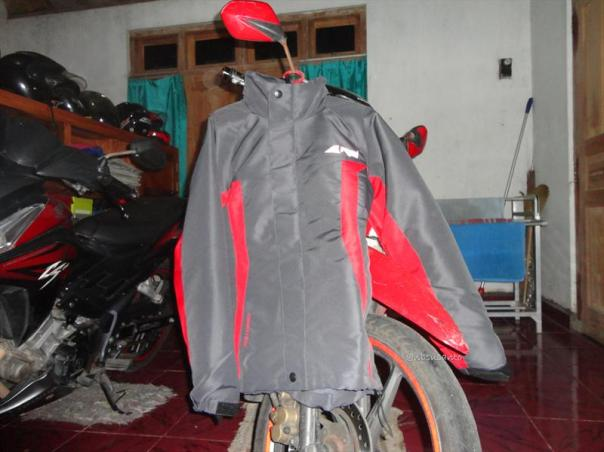 jaket outdoor gunung arei rei untuk riding harian (2)