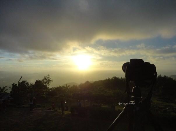 menikmati senja sunset di candi ijo (162)