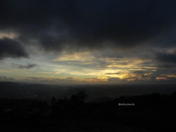 menikmati senja sunset di candi ijo (183)