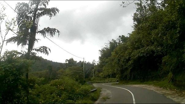 jalanan menuju kelok 44