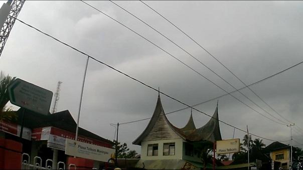 plaza telkom maninjau