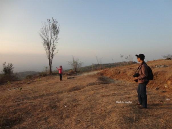 tebing bukit pertambangan batu breksi berbah sleman (33)