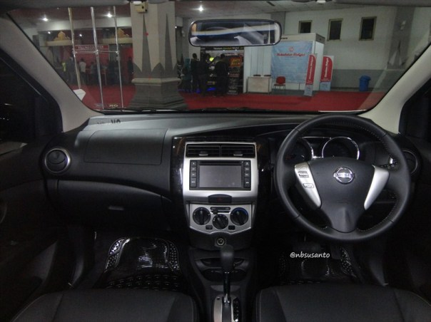 nissan grand livina highway star autech cvt (10)
