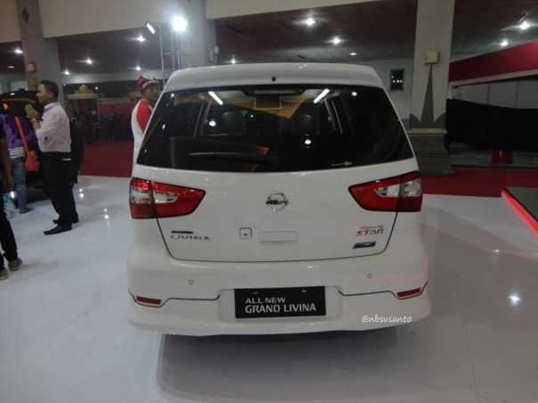 nissan grand livina highway star autech cvt (3)