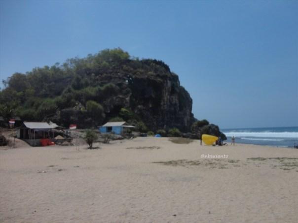 pantai ngrumput, gunungkidul (11)
