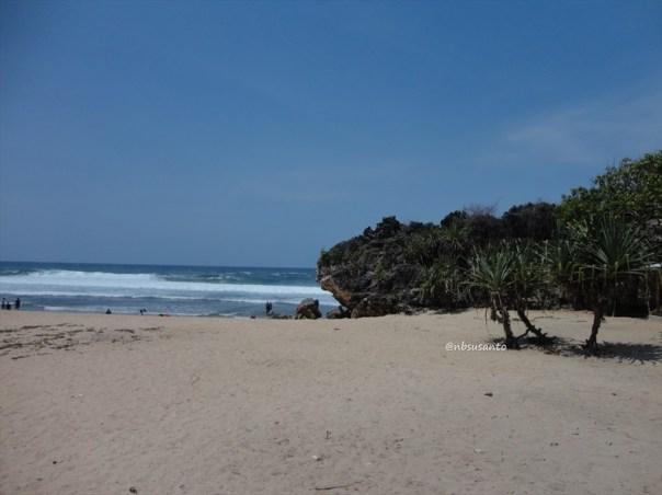 pantai ngrumput, gunungkidul (12)