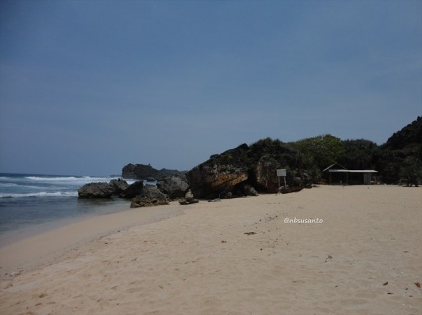 pantai ngrumput, gunungkidul (15)