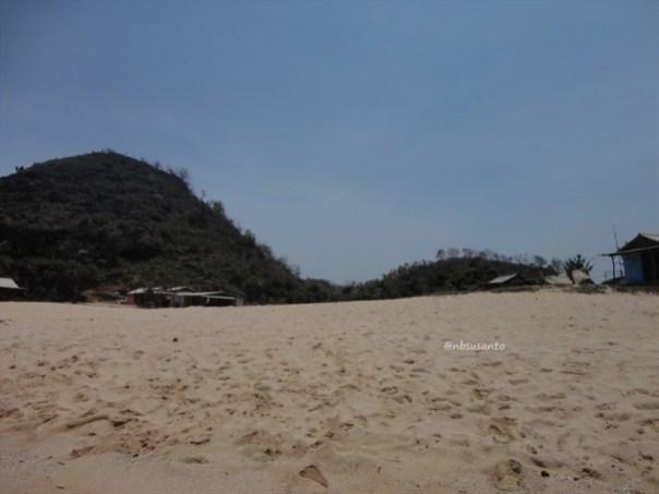pantai ngrumput, gunungkidul (19)