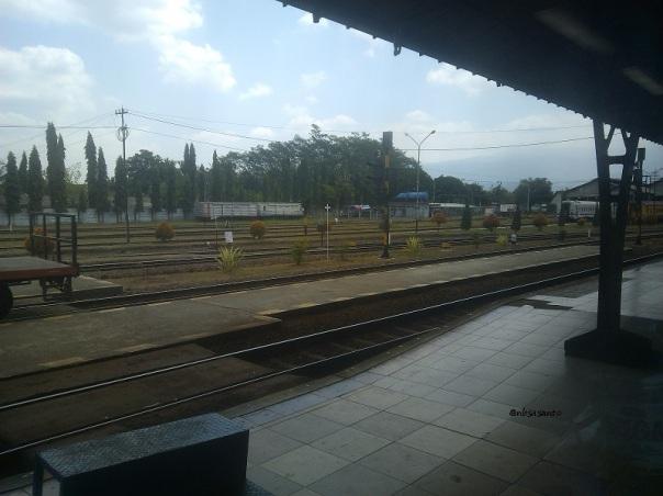 kereta api bogowonto lempuyangan - pasar senen (1)