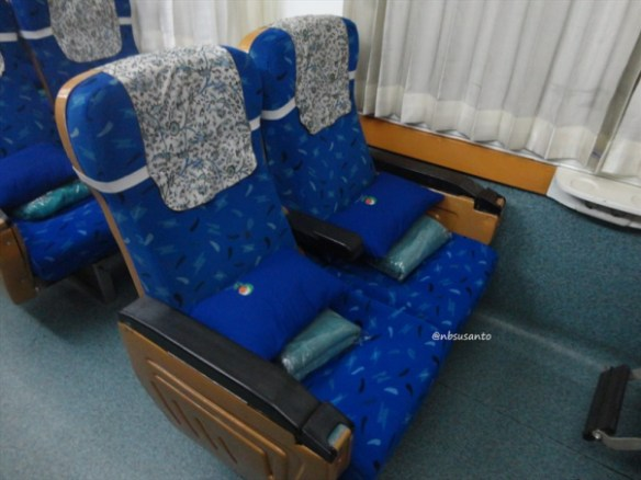 kereta api taksaka malam jakarta gambir - yogyakarta tugu (25)