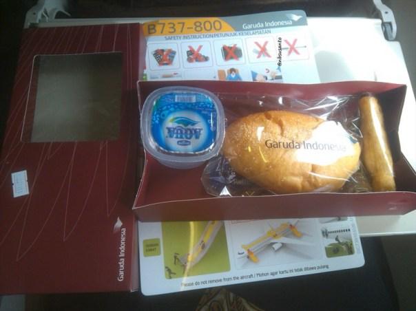 pesawat garuda indonesia yogyakarta adisucipto jakarta soekarno hatta (20)