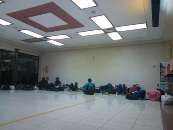 lion air padang minangkabau - jakarta soekarno hatta cengkareng boeing 737-900 (7)