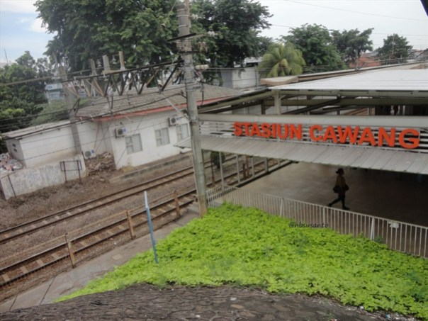stasiun krl commuter line cawang