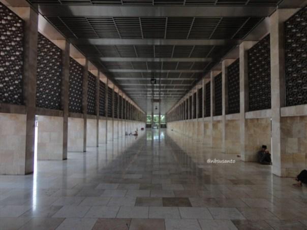 sore hari ke monumen nasional monas dan masjid istiqlal (12)