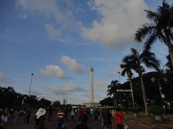 sore hari ke monumen nasional monas dan masjid istiqlal (29)