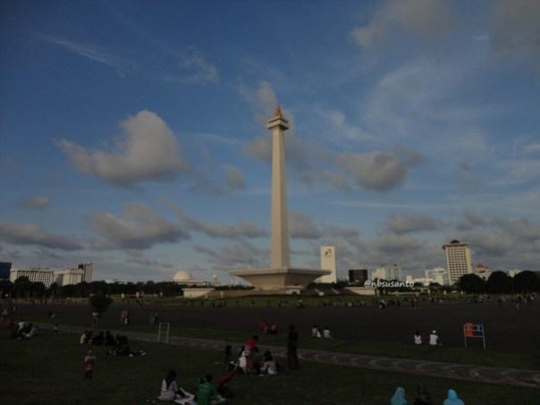 sore hari ke monumen nasional monas dan masjid istiqlal (31)