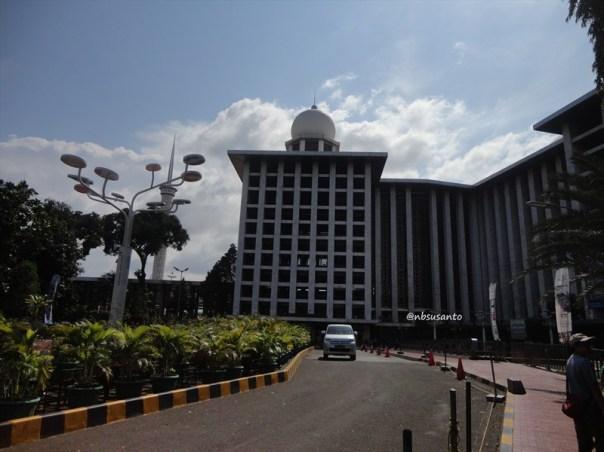 sore hari ke monumen nasional monas dan masjid istiqlal (9)