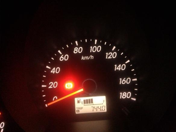 744 km dalam 25 jam, 710 km dalam 24 jam