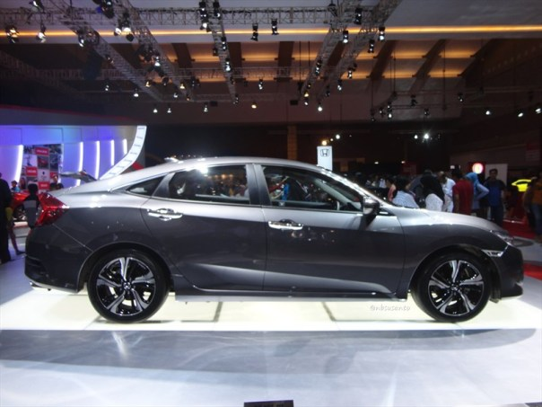 honda all new civic 1,5 vtec turbo (2)
