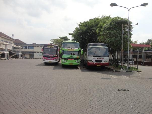 PO Efisiensi Cilacap - Jogja Adiputro Jetbus SHD Setra (2)