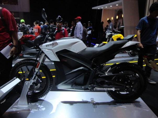zero ds motorcycles indonesia, si unik bertenaga listrik dari amrik (3)