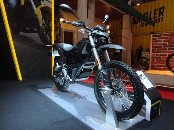 zero fx motorcycles indonesia, si unik bertenaga listrik dari amrik (23)