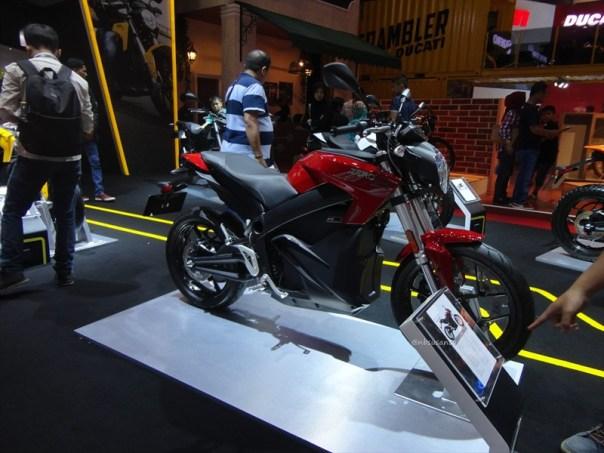 zero sr motorcycles indonesia, si unik bertenaga listrik dari amrik (7)