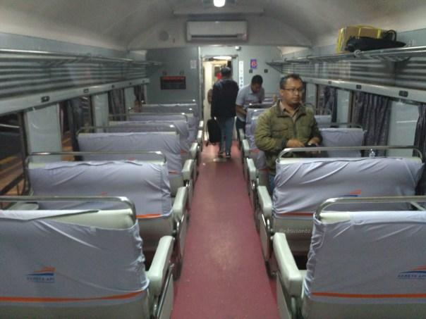 last-trip-kelas-bisnis-senja-utama-yogyakarta-32