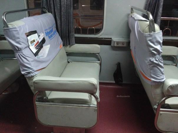 last-trip-kelas-bisnis-senja-utama-yogyakarta-pasar-senen-tugu-32