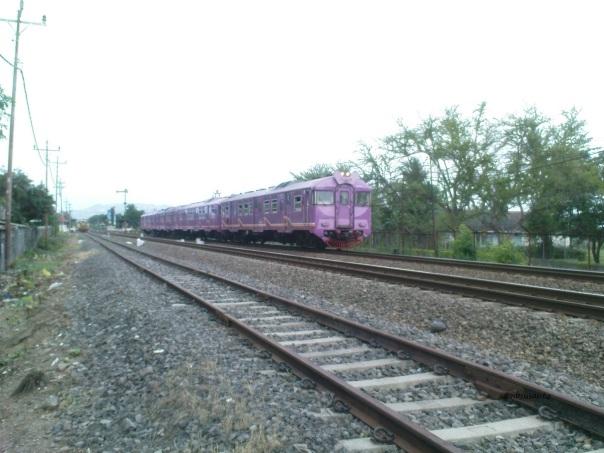 kereta-api-prambanan-ekspress