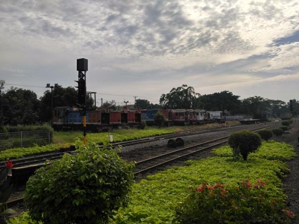 harta-karun-lokomotif-tua-di-stasiun-cikampek-10