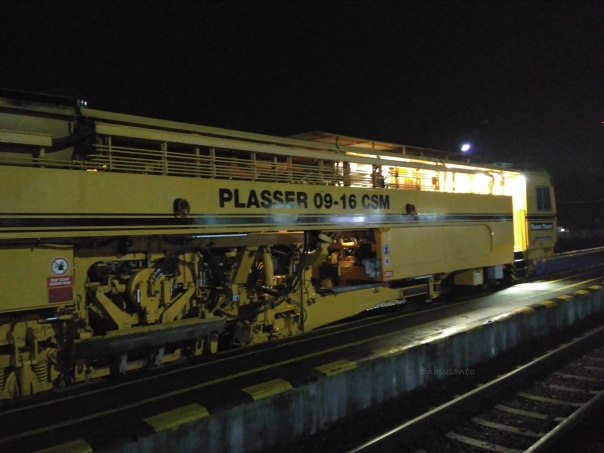 rekor-telat-7-jam-kereta-api-indonesia-2