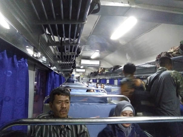 trip-report-kereta-sawunggalih-utama-malam-jakarta-pasar-senen-kutoarjo-1