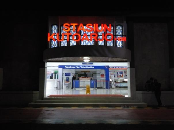 trip-report-kereta-sawunggalih-utama-malam-jakarta-pasar-senen-kutoarjo-11