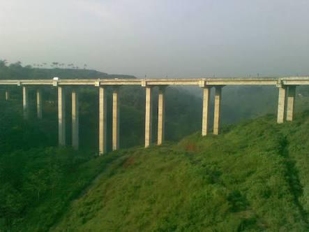 jembatan-cisomang-tol-cipularang