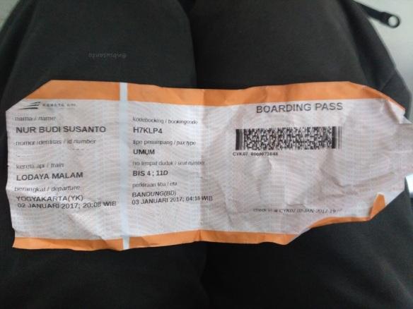 tiket-kereta-api-ekspress-lodaya-malam-solo-balapan-yogyakarta-tugu-bandung-hall